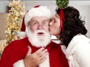 mommy-is-kissing-santa-clause